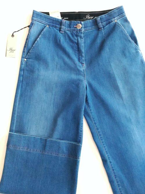 dettaglio jeans donna largo