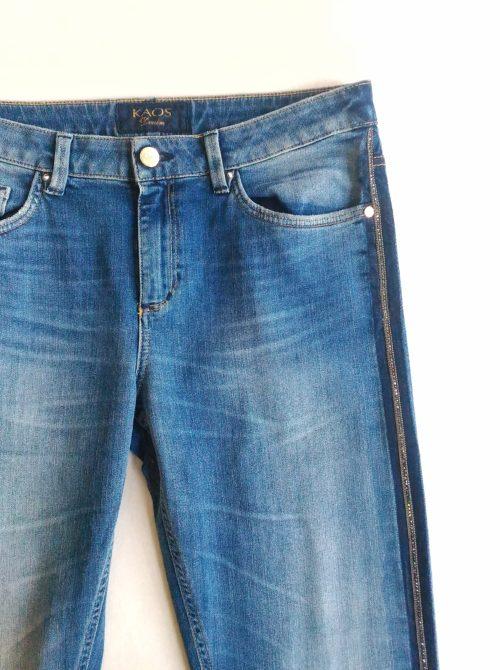 dettaglio jeans kaos vita