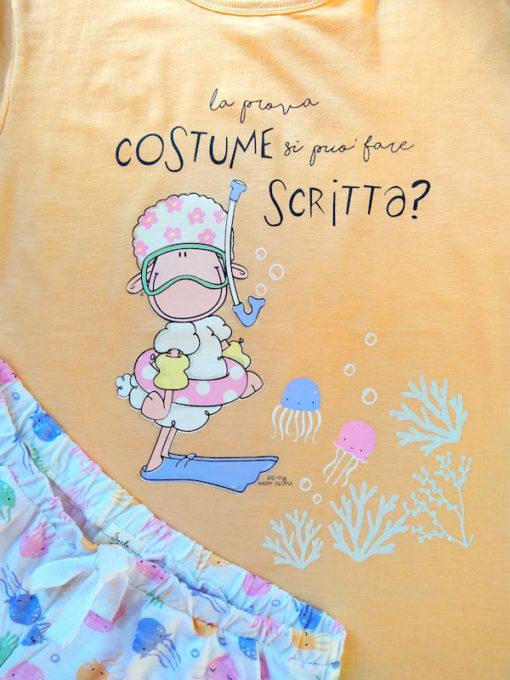 Dettaglio stampa pigiama donna corto Happy People serie prova costume scritta arancio