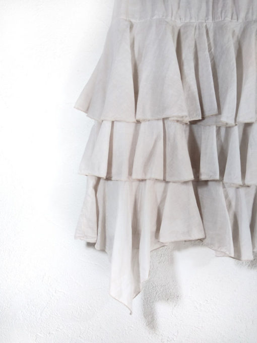 Gonna collezione Kaos longuette a balze dettaglio punta asimmetrica colore nude