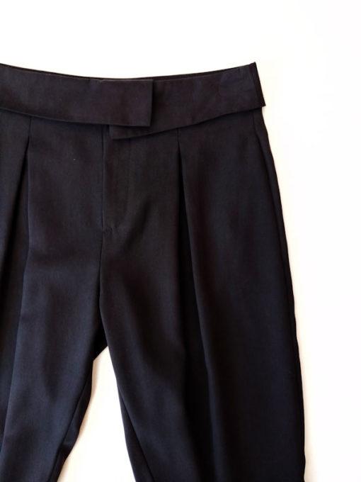 Pantalone donna Kaos tencel e pinces dettaglio colore nero