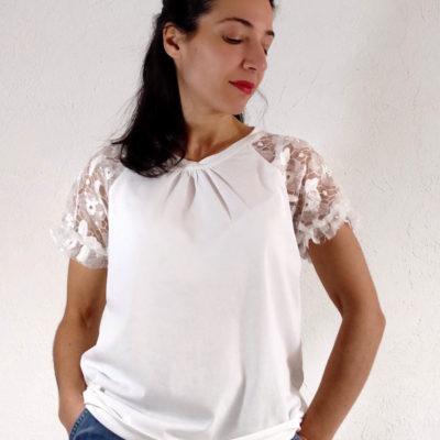 T-shirt donna Kaos cotone bianca con ricamo su mezza manica