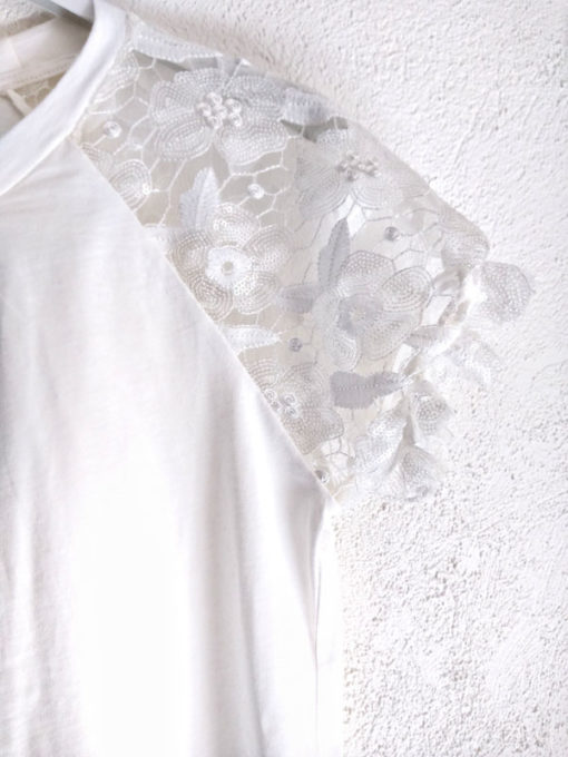 T-shirt donna Kaos cotone bianca con ricamo dettaglio mezza manica lavorata con microtulle