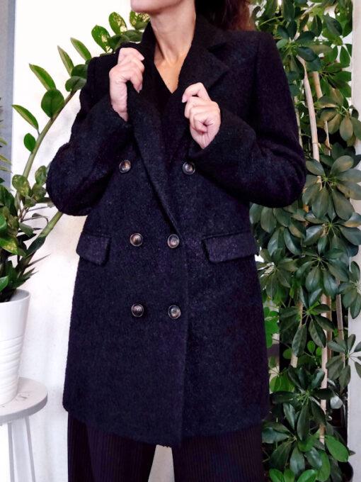 Cappotto donna nero bouclè collezione Kaos doppio petto