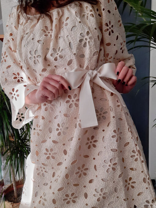 abito donna collezione Kaos in pizzo di cotone avorio dettaglio fiocco
