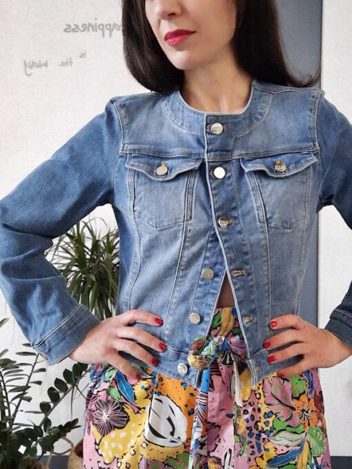 giacca donna in jeans collezione Kaos girocollo con bottoni