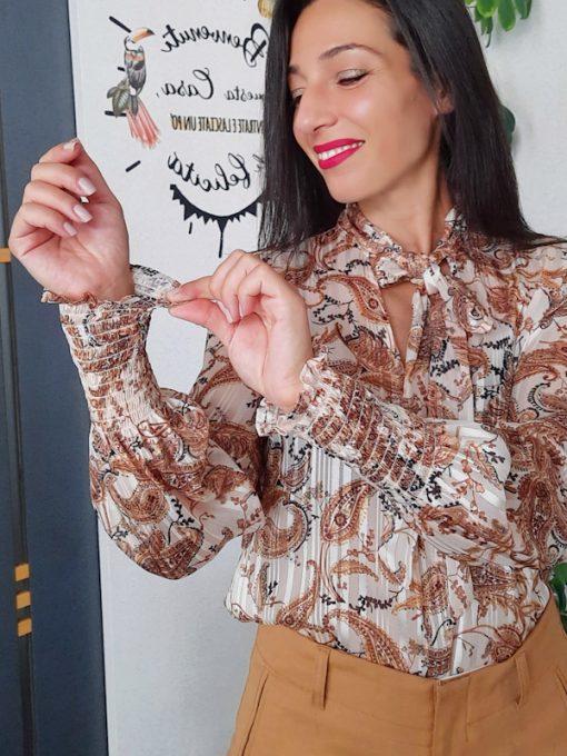 maglia in tessuto con fiocco in fantasia collezione Kaos elastico al polso