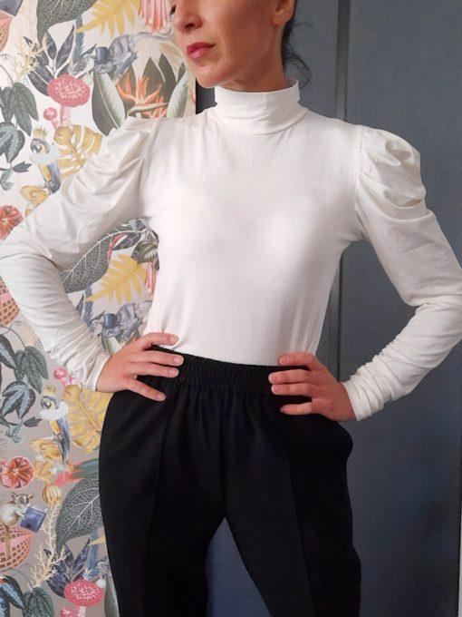 maglia donna Kaos mezzo collo manica a palloncino e arricciata colore panna